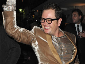 Alan Carr sitcom in the works