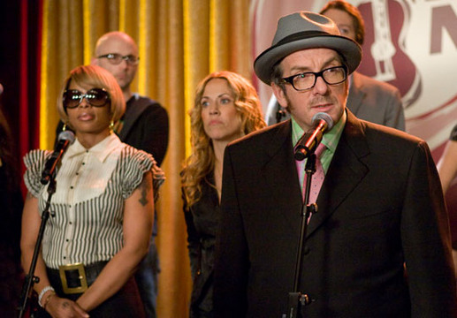 30 Rock Season 4 and 5 Guest Stars - Elvis Costello with Mary J Blige in the background